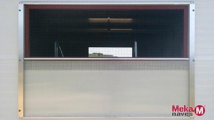 MKGALALAB08-ventana-nave-metalica-modular-gallinas-MEKANAVES